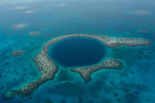 Blue-Hole Gran Arrecife Maya