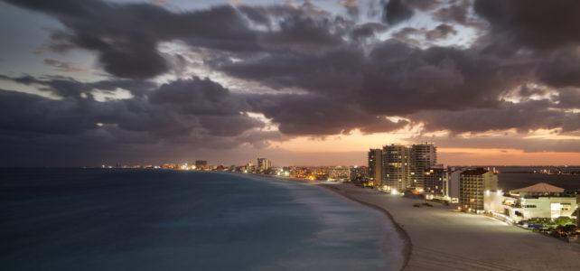 Cancun Landzunge mit Hotels