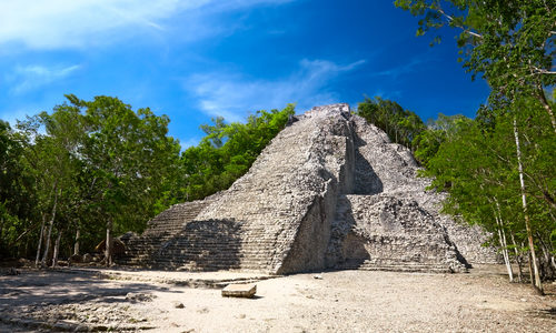 Maya Nohoch Mul Pyramide